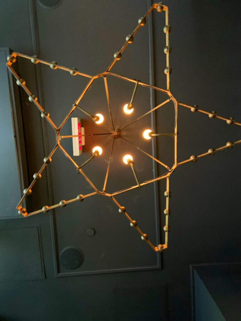 Ace Hotel New York City, entry star chandelier